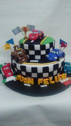 Torta Cars Cars Birthday Parties, Birthday Cake, Ferrari 458 Italia Spider, Car Themes, Lightning Mcqueen, Party Planning, The Incredibles, Cake Decorations, Kara