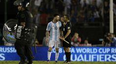 Messi: Tôi đâu có chửi thẳng mặt trọng tài. Tôi chỉ hét vào không khí | LinkHay.com