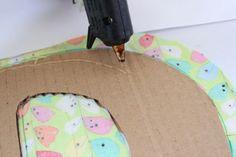 Letra decorativa hecha con material reciclado   Blog de BabyCenter