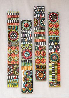 Ceramic Wall Art, Mosaic Wall Art, Mosaic Mirrors, Pottery Shop, Creation Deco, Painted Sticks, Handmade Tiles, Handmade Art, Wall Art Sets