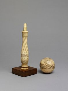 Bilboquet of turned ivory, decorated with fine engraving filled with black mastic, the decoration including the inscription 'MENUS PLAISIRS DU ROI 1779 VERSAILLES'. Dragonfly In Amber, Fun Games, 18th Century, Board Games, Art Decor, Mexico, Childhood, Ivory, Carving