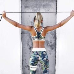 I love this workout outfit!! So cute