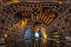 奇才・ガウディがドラゴンの伝説になぞらえて作った驚異の邸宅「カサ・バトリョ」 | DDN JAPAN