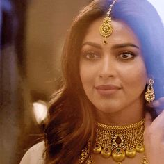 A Lot Of People Believe That This South Indian Actress Looks Exactly Like Deepika Padukone Indian Jewelry Sets, Indian Wedding Jewelry, India Jewelry, Indian Bridal, Head Jewelry, Pendant Jewelry, Jewelry Logo, Jewelry Case, Gold Mangalsutra