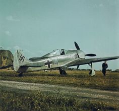 Focke Wulf fw 190 blaue 4 was photographed while serving with jagdfliegerschule 2 or Aircraft Photos, Ww2 Aircraft, Fighter Aircraft, Military Aircraft, Luftwaffe, Fighter Pilot, Fighter Jets, Focke Wulf 190, Photos Originales