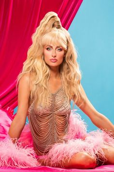 Paris Hilton Bikini Hot Sexy Bold Topless Swimsuit Shorts Navel In Bikini New Full HD Pics Pictures Photos Galleries Wallpapers Images Height Age Boyfriends Paris Hilton Bikini, Paris Hilton Style, Photoshoot Pics, Paris Pictures, Celebrity Outfits, Celebrity Style, Celebrity Women, Beautiful Celebrities, Celebrities Fashion