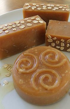 Natural Honey, Oats, & Beeswax Soap Recipe ~ Lovely Greens