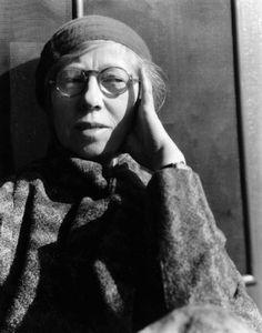 "inneroptics: "" Imogen Cunningham - Self Portrait 1932 "" Nude Photography, Portrait Photography, Photographer Self Portrait, Black N White Images, Black And White, Imogen Cunningham, Edward Curtis, Simple Subject, Portraits"
