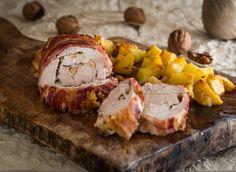 Il rollè di pollo alle noci è un piatto ricco e perfetto per un pranzo in famiglia. Morbido e gustoso.