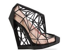 Andreia Chaves Naked Shoe Brazilian designer Andreia Chaves is a triumph of fashion and mathematical engineering. Andreia Chaves naked shoe uses advanced printing technology, hand made to order this shoe demands attention like no other. Nude High Heels, Pumps Heels, Caged Heels, Stilettos, Dandy, Crazy Shoes, Me Too Shoes, Coolest Shoes Ever, Pinup
