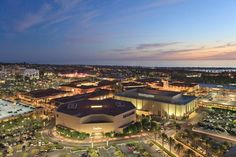 Fashion Island, Orange County's premier shopping center, features world-class shopping and restaurants. Newport Beach, CA. Miss California, Irvine California, Southern California, Newport Beach, Sandy Style, Online Real Estate, Beach Town, City Style, Coastal Living