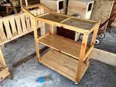Pallet Made Food Trolley - 30 Pallet Projects That Will Make You Fall in Love | 99 Pallets - Part 4