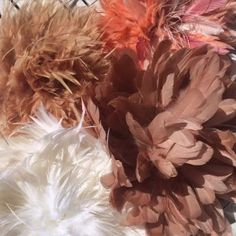 BeSoStyle DIY JuJu Hats.  #jujuhats #DIY #feathers #blush #juju
