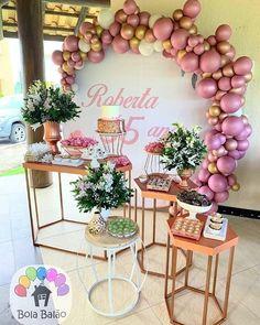 Iranian Women Fashion, Communion, Table Decorations, Rose, Birthday, Party, Home Decor, Sweet 15, Fiesta Decorations