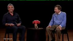 """Entrevista de Eckhart Tolle a Cesar Millan del show """"The Dog Whisperer""""     Gracias a http://www.youtube.com/user/omarm1984 por la subtitulación."""