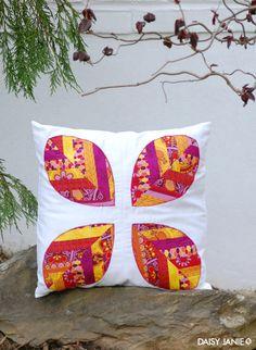 Tutorial: Quad Leaf Pillow (strip piecing and applique)