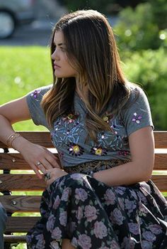 Aria's grey floral beaded top and rose print skirt on Pretty Little Liars.  Outfit Details: http://wornontv.net/46336/ #PLL