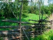 "Love this old style fence ""risuaita""."