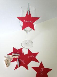 Coup de pouce Bricolage: marque-places étoilés Stylisme et bricolage: Chloé Comte. Photo: Tango Photographie.