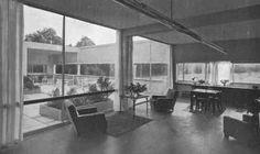 Le Corbusier e P. Jeanneret, Ville Savoie, Poissy 1929  Vista dal soggiorno