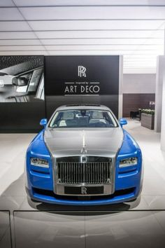 Rolls Royce Motor Cars have displayed a special collection of Art Deco inspired cars at the ongoing Paris Motor Show. The company has released three posters of one of the most exciting designs wherein a two toned Ghost, Black Phantom Series II and Phantom Drophead Coupe can be seen.