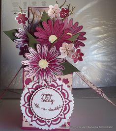 Beautiful new Daisy bungle box card