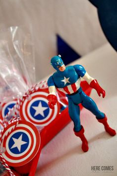 """You can throw a """"SUPER"""" Captain America Party with these ideas and free printables! Captain America Party, Captain America Birthday, 5th Birthday, Birthday Parties, 1st Birthdays, Candy Buffet, Crafty Craft, Blue Gold, Free Printables"""