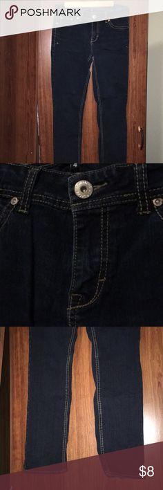 Jordache Skinnny Jeans Great condition skinny jeans from Jordache. Cute pocket details! Jordache Jeans Skinny