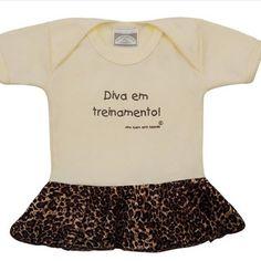 Preparem os corações!!!  Body com saia em veludo de oncinha.  Link para compra http://purezababy.com.br/body-diva-em-treinamento-olha-quem-esta-falando.html