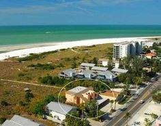 Siesta Key condo rental - We are one of the closest properties to the white smooth Siesta Key Beach sand.