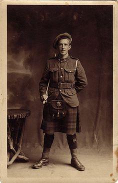 :::::::::::: Vintage Photograph ::::::::::::   Soldier from the Canadian Highlander Regiment. 1917