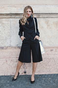 #orovicafashion #blackoutfit #outfitforoffice Black Culottes, Timeless Fashion, Suits, Womens Fashion, Suit, Women's Fashion, Woman Fashion, Wedding Suits, Fashion Women