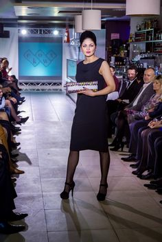 lady in black dress with my handbag in design show e-fashion..:)
