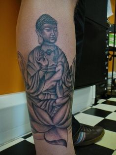In deed Buddhist Tattoo Designs must look a bit religious but it is not so. It has so many in built values within. That makes Buddhist Tattoo Designs so Foot Tattoos, Sexy Tattoos, Tattoos For Guys, Tattoos For Women, Zen Tattoo, Ganesh Tattoo, Tattoo Art, Symbol Tattoos With Meaning, Symbolic Tattoos