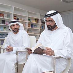 Hamdan bin Mohammed bin Rashid Al Maktoum y su padre, Mohammed bin Rashid bin Saeed Al Maktoum, 31/05/2015. Vía: khalifasaeed