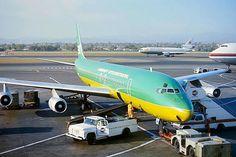Braniff International DC-8