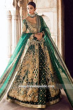 Exclusive Collection of Pakistani Bridal Dresses Online by Pakistani Designers to Buy for Pakistani Brides looking for a Traditional or Contemporary Bridal & Wedding Dresses. Indian Bridal Lehenga, Pakistani Wedding Dresses, Indian Dresses, Indian Outfits, Lehenga Wedding, Walima Dress, Mehndi Dress, Mehendi, Asian Wedding Dress