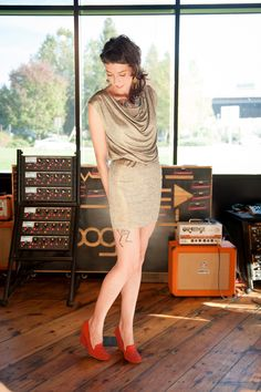 Are you thinking the same as me? Those shoes don't match the orange amp.