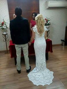 Crochet Winter Dresses, Crochet Wedding Dresses, Pretty Wedding Dresses, Wedding Dress Patterns, Wedding Dress With Veil, Formal Dresses For Weddings, Crochet Clothes, Nice Dresses, Gown Pattern