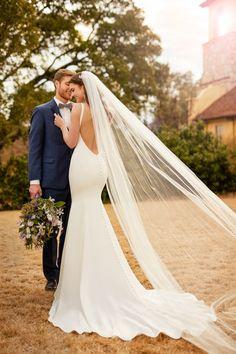 Featured Wedding Dress: Essense of Australia