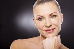 Det er mange måter å få et friskt utseende på. Her er de beste hudforyngende tipsene uten kniv.
