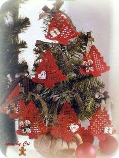 Crochê Gráfico: Pingentes Árvores de Natal em Crochê Filê