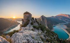 Lataa kuva Pertusa, kivi linnoitus, aamulla, lake, vuoret, Aragon, Katalonia, Espanja, Leyda