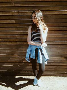 """Quatro looks para usar nos dias de """"não tenho nada para vestir"""" - It's Kimby (look básico para o verão, legging montaria preta, tênis branco, óculo retrô, cropped listrada, camisa jeans, look com casaco amarrado na cintura)"""