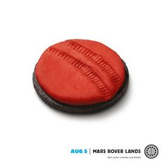 Oreo Goes Red, As A Tribute To NASA's Mars Landing - DesignTAXI.com
