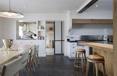 Maison V Villennes sur seine - rustic - Kitchen - Other Metro - Olivier Chabaud Architecte Interior Design Inspiration, Home Decor Inspiration, Design Interior, Rustic Kitchen, Kitchen Dining, Open Kitchen, Timber Kitchen, Country Kitchen, Kent Homes