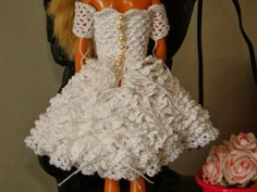 Barbie ganchillo Miniaturas manualidades y más cosas: paso a paso en vestido de novia portuguesa de ganchillo para Barbie