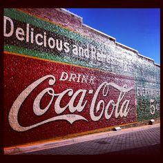 Vintage Coca Cola mural in Acworth Georgia – Hilary: EQotW: Thanksgiving in Georgia