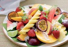 Ovocná mísa Fruit Salad, Quiche, Food, Pineapple, Fruit Salads, Essen, Quiches, Meals, Yemek
