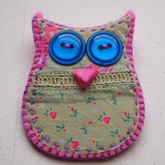 Felt and fabric owl: wonder if it could be made into a phone pouch?? super cute!!